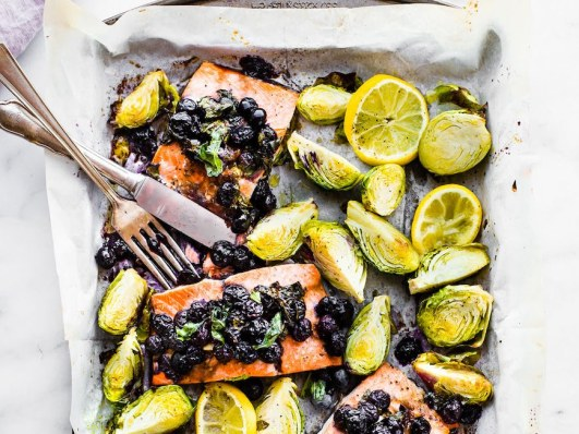 superfood-sheet-pan-baked-salmon-paleo-Whole-30-2-1