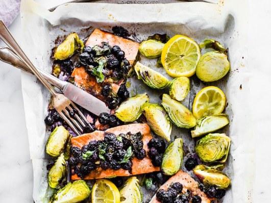 superfood-sheet-pan-baked-salmon-paleo-Whole-30-2-1