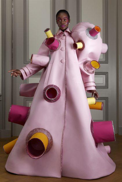 00006-Viktor-Rolf-Couture-FALL-20-Credit-Casper-Kofi